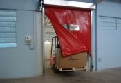 Скоростные ворота для складских комплексов.